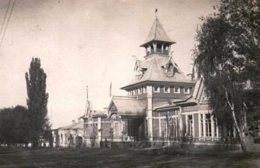 Здание Военного собрания.