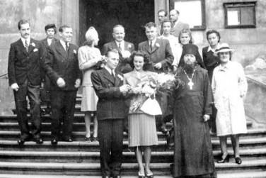Фото в Праге на свадьбе Ольги Крейчи с архимандритом Исаакием